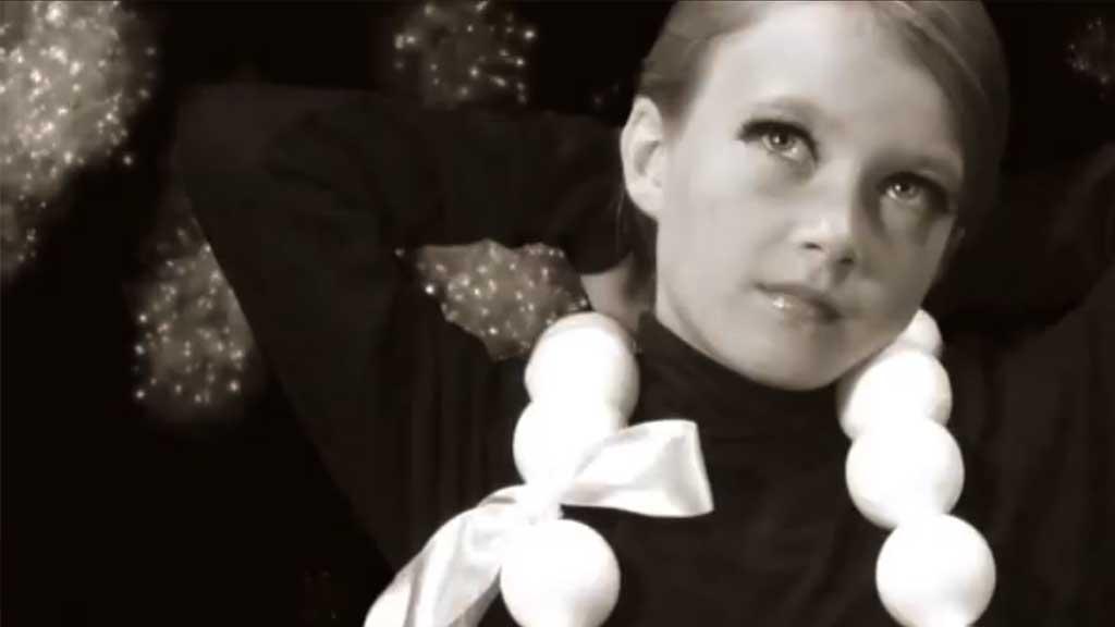 Videoclip Eddy de Clercq Quartet - Music for Catwalks 'Les Monstres Sacrés'